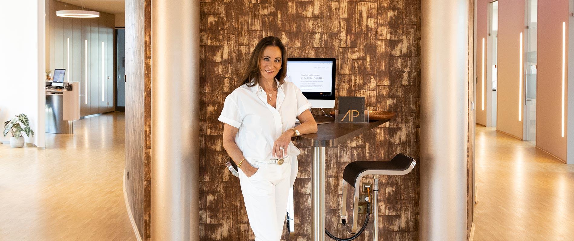 Angela Lambrecht ist Expertin für Ästhetische Behandlungen Hannover